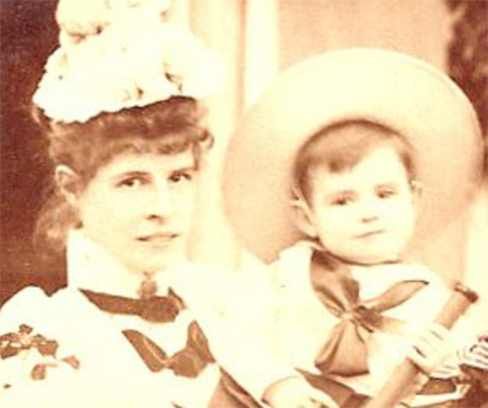 Gibbs as a baby with his mother, Ida